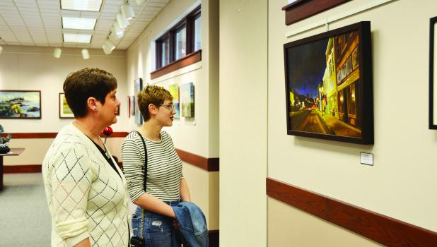 Springfield artist Caitlin Lang, along with her mother Jill Lang, were spotted at the 2021 Juried Art Show on opening day last Wednesday, October 13, 2021.