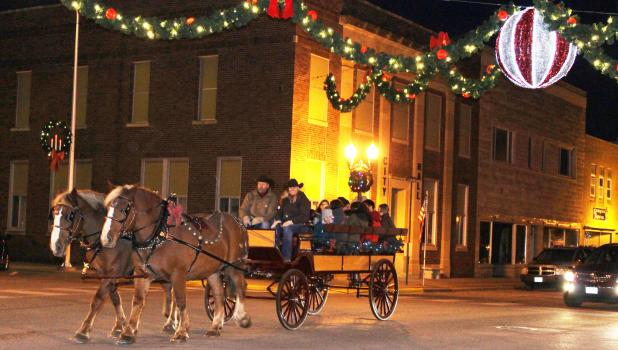 Springfield's Holiday Open House is on Wednesday, November 13 from 4:00-8:00 p.m. There will be lots of activities including free horse-drawn carriage rides, beginning at Martha Anderson Park from 5-8.