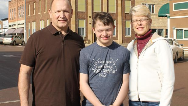 Mitch and Julie Linneman and son Jacob visited in Springfield last week.