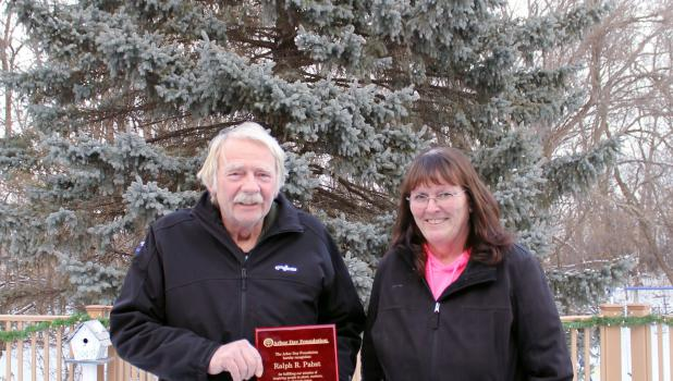 Ralph and Karen Pabst receive award from Arbor Day Foundation