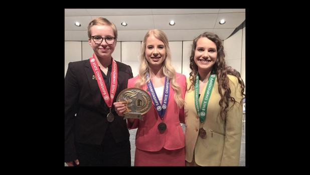 Libby Tonn, Sarah Dunn, Grace Pingeon.
